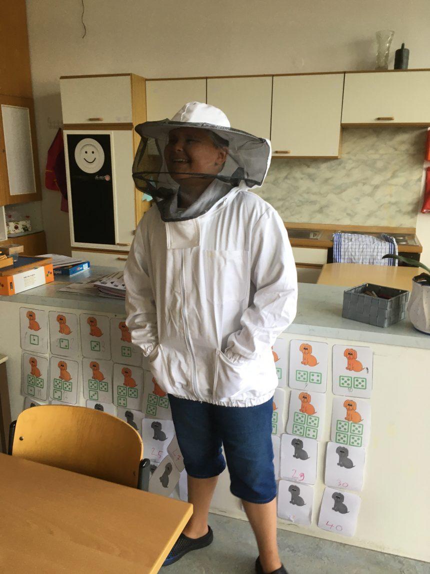 Ein Tag mit den Bienen